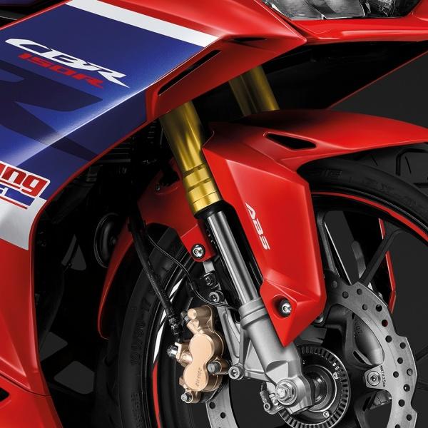 Honda CBR150R 2022 cung ra mat tai Thai Lan voi gia re hon Viet Nam vai trieu - 5