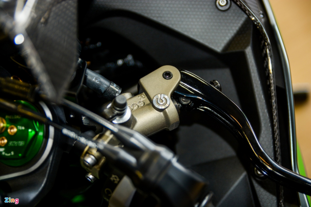 Chi tiet Kawasaki Ninja H2 Carbon gia gan 13 ty dong tai Viet Nam - 9