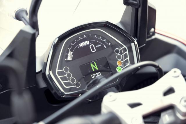 Chi tiet Triumph Tiger Sport 660 ke thua trai tim cua Trident 660 - 7