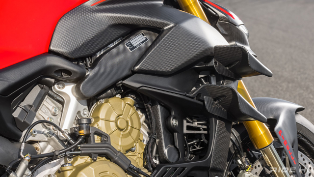 Ducati StreetFighter V4SC do full carbon cuc an tuong - 11