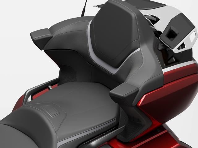 Honda ra mat Gold Wing 2021 Dang canh mo duong tren khap cung duong Viet - 13