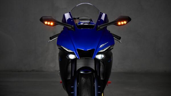 Lo dien Yamaha R1 2022 an theo phong cach cua dan em R7 - 3