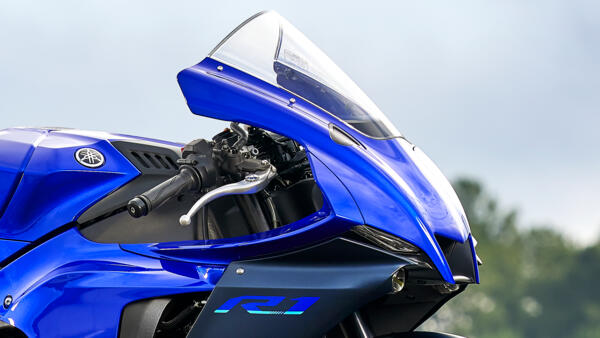 Lo dien Yamaha R1 2022 an theo phong cach cua dan em R7 - 9
